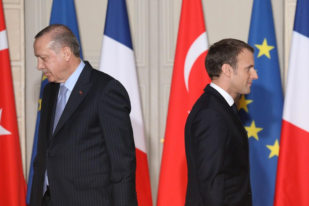 Ερντογάν: «Ας πάει για ψυχοθεραπεία ο Μακρόν για τη στάση του απέναντι στους Μουσουλμάνους»