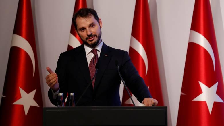 Πτώση τουρκικής λίρας: Ο Υπουργός Οικονομικών δηλώνει πως δεν τον αφορά