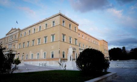 Κορονοϊός: Η Βουλή σε συναγερμό από τα 2 κρούσματα