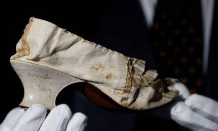 Μαρία Αντουανέτα: Μεταξωτό της παπούτσι σε δημοπρασία, με τιμή εκκίνησης τα 10.000