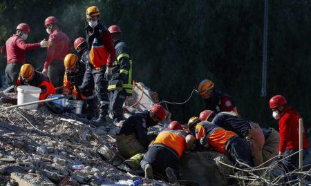 «Θαύμα» στη Σμύρνη: 4χρονη ανασύρεται ζωντανή ύστερα από 91 ώρες εγκλωβισμού από τον σεισμού