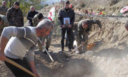 Ρωσική προειδοποίηση για Ναγκόρνο - Καραμπάχ: «Όποιος επιτεθεί στην Αρμενία, θα μας βρει μπροστά του»