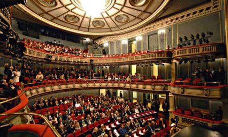 Ανάσα για τα θέατρα: Έκτακτη επιχορήγηση ανακοίνωσε το Υπουργείο Πολιτισμού