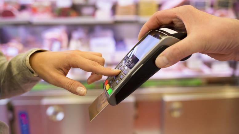 """Ηλεκτρονικές αποδείξεις: Ποιες δαπάνες """"μετράνε"""" στην Εφορία"""