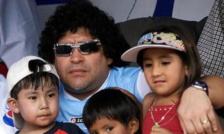 Όλα τα παιδιά του Μαραντόνα: Δικαστήριο αποφάσισε τη διατήρηση του σώματός του για τεστ DNA