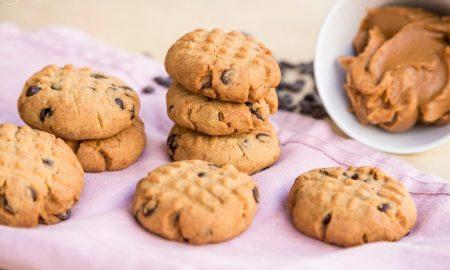 Μπισκότα φυστικοβούτυρο: Συνταγή με τρία υλικά και υπέροχη γεύση