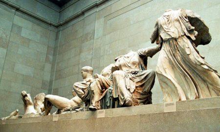 Όλιβερ Ντάουντεν: «Θα είχαν επιβιώσει από τους ναζί τα Γλυπτά του Παρθενώνα αν ήταν στην Αθήνα;»