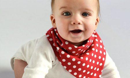 Μωρό: Με αυτούς τους τρόπους δείχνει τη χαρά του