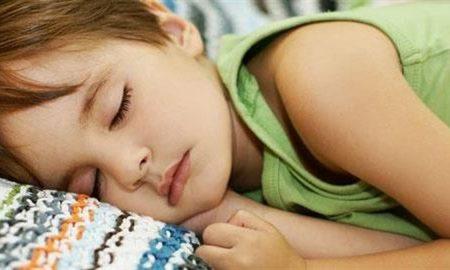 Παιδί: Για ποιόν λόγο έρχεται στη μέση της νύχτας στο κρεβάτι σας