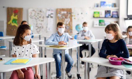 Έρευνα: Η πανδημία τινάζει στον αέρα το σχολικό έτος
