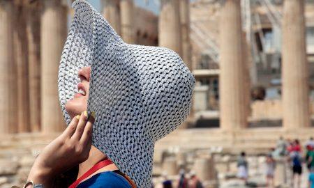 Χάρης Θεοχάρης: «Ευπρόσδεκτοι στην Ελλάδα χωρίς πιστοποιητικό εμβολιασμού οι Βρετανοί τουρίστες»