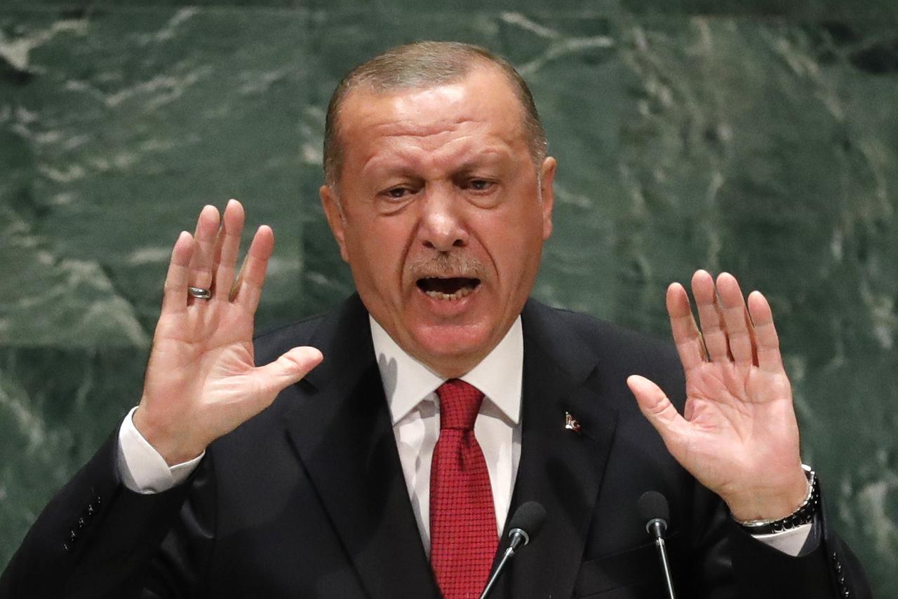 Καταιγιστικές εξελίξεις στην Τουρκία: Συλλήψεις ναυάρχων ύστερα από την προειδοποιητική επιστολή