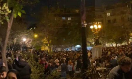Lockdown: Σκηνικό ξέφρενου πάρτι στις κεντρικές συνοικίες της Αθήνας