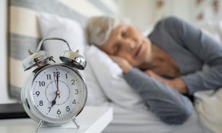 Νέα έρευνα: Οι μεσήλικες που κοιμούνται 6 ώρες ή λιγότερο έχουν αυξημένο κίνδυνο για άνοια