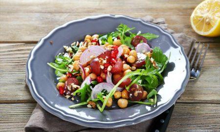 Βραδινό γεύμα: Οι ιδανικές επιλογές για να χάσετε βάρος χωρίς να πεινάσετε
