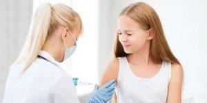 Εμβολιασμός εφήβων: Σε εξέλιξη οι κλινικές μελέτες - Επιφυλακτικοί οι επιστήμονες για τον παιδικό πληθυσμό