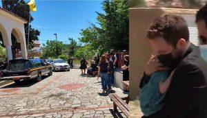Κηδεία 20χρονης στα Γλυκά Νερά: Συγκλονίζει η εικόνα του συζύγου της αγκαλιά με την κορούλα τους