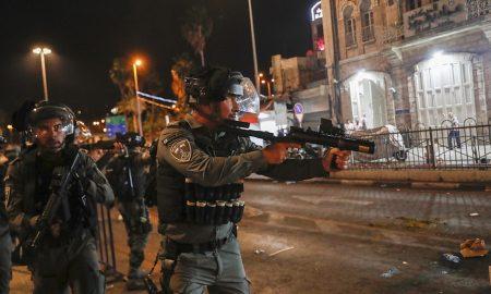Ιερουσαλήμ: Μαίνονται οι συγκρούσεις ανάμεσα σε Παλαιστίνιους και ισραηλινούς αστυνομικούς