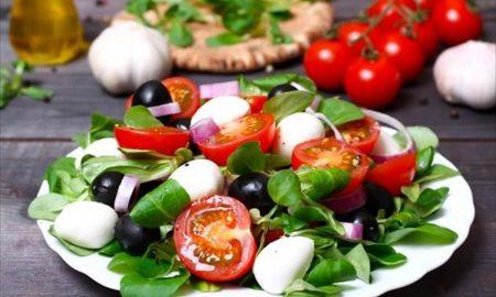 Μεσογειακή διατροφή: Μελέτη επιβεβαιώνει πώς μας προστατεύει από τη νόσο Αλτσχάιμερ
